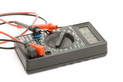 Hvordan bruke en diode på en DC Relay