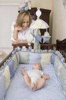 Sleeping vaner med en fire måneder gammel baby