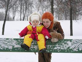 Hvordan Kle en baby i kaldt vær