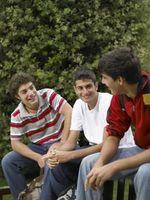 Hva gjør Teen Boys snakke om med vennene sine?