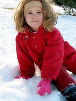 Utendørs vinteraktiviteter for barn